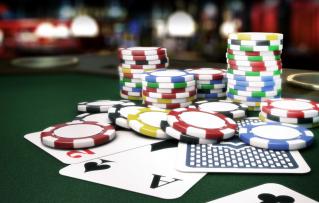 4 Variaciones de Juegos de Cartas en los Póker Vegas Casino